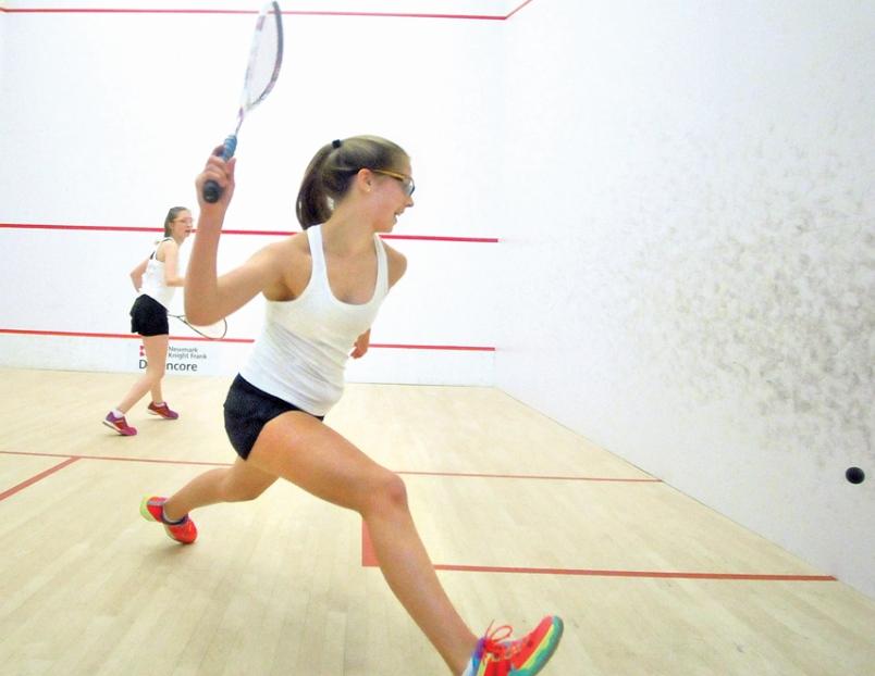 Clubmiddag squash & F1 & BBQ & voetbal